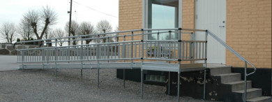 You can customise your ramp to suit your needs including balustrade handrails