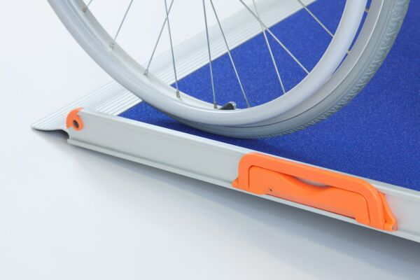 No Fold Wheelchair Ramp with Blue Grip Surface (5ft long 780mm wide)