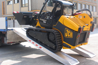 Vehicle ramps for cars and heavy duty machinery